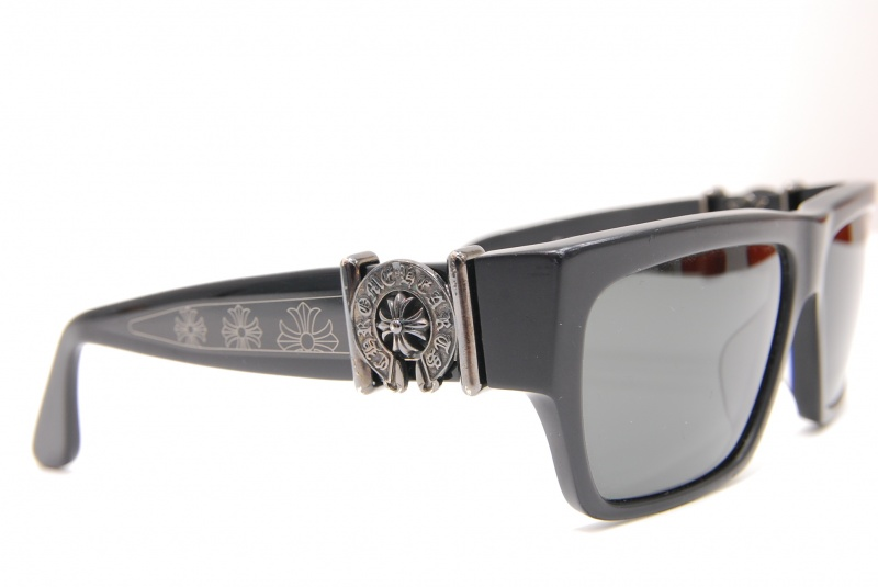 クロムハーツのサングラスを買わせていただきました。まじめに71年『質はしもと(有)橋本質店』