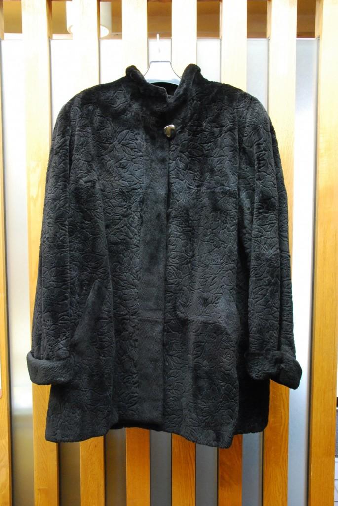 好評です。毛皮の買取のお問い合わせをたくさん頂戴しています。今こそ冬物整理しませんか?樟葉駅前で買取リサイクル『質はしもと(有)橋本質店』