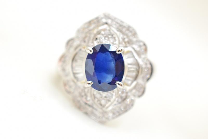 宝石をまじめに鑑定いたします。創業70年余り、宝石を高価買取リサイクル『質はしもと(有)橋本質店』