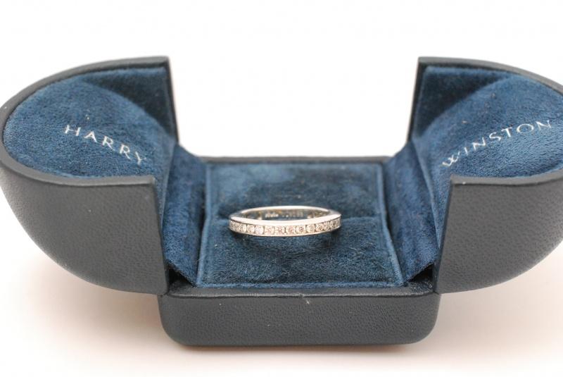 HARRY WINSTONハリーウィンストン ダイヤエタニティーリング買取。宝石もブランド品もまじめに鑑定!枚方くずは『質はしもと(有)橋本質店』