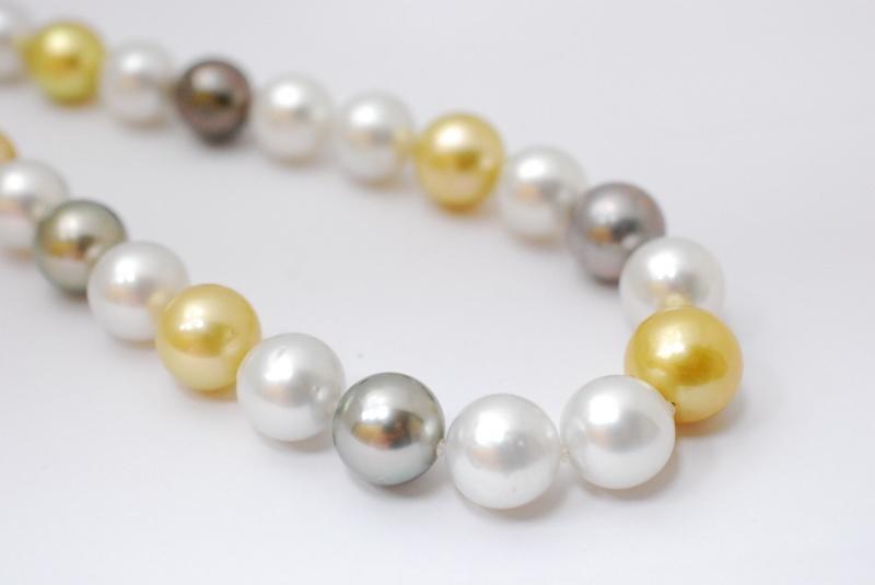 パールの鑑定もお任せください。タサキ/ミキモト等ブランド真珠も高価買取致します。樟葉駅200秒『質はしもと(有)橋本質店』