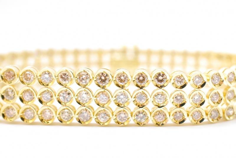 Gold & Diamonds 鑑定・査定・買取リサイクルをお任せください。樟葉駅200秒『質はしもと(有)橋本質店』
