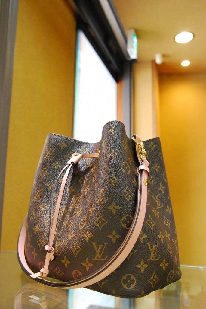 ルイヴィトン「ネオノエ」 M44022 人気のバッグを高価買取します!樟葉駅前でリサイクル『質はしもと(有)橋本質店』