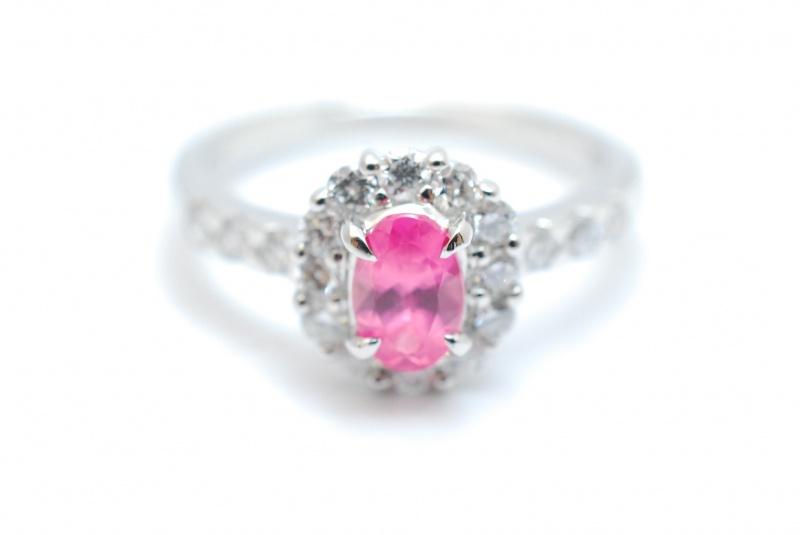 ピンクサファイアリング。宝石の買取は鑑定のプロにお任せくださいませ。樟葉駅前でリサイクル『質はしもと(有)橋本質店』