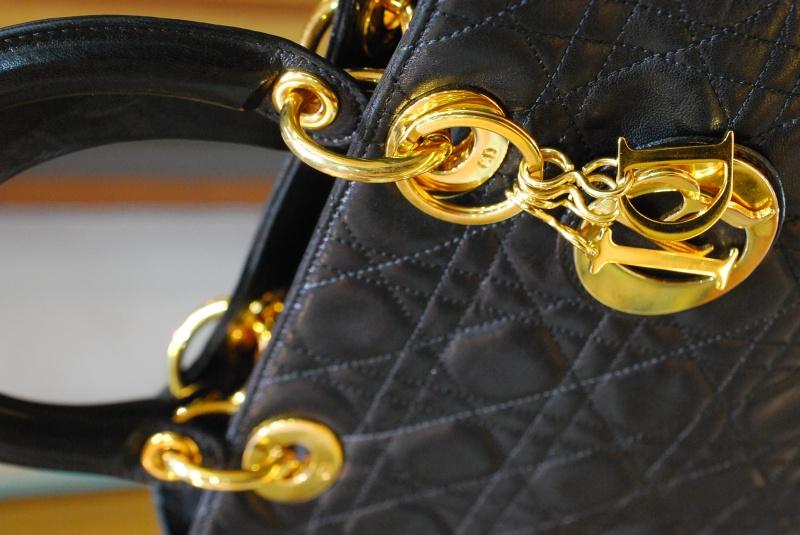 Diorの人気バッグ レディディオールを買取させていただきました。ブランド品を高価鑑定リサイクル『質はしもと(有)橋本質店』