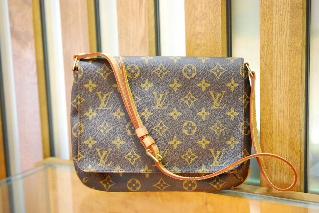 ルイヴィトンのバッグまだまだ人気です!地域最高値で高価買取します。枚方市くずは創業73年『質はしもと(有)橋本質店』